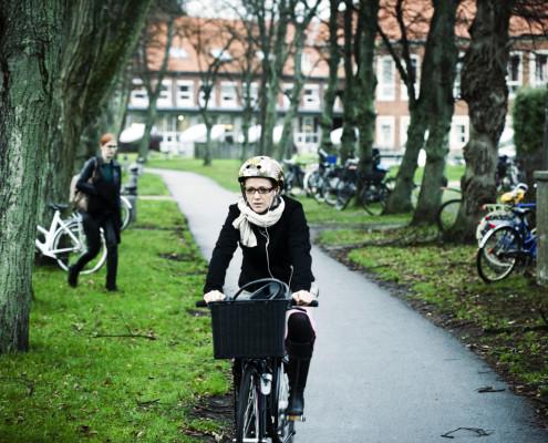 dpu-cykelsti-med-cyklist